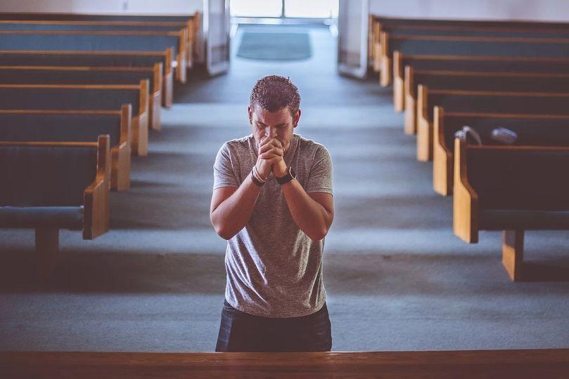 CZY BÓG WYSŁUCHUJE NASZYCH MODLITW?